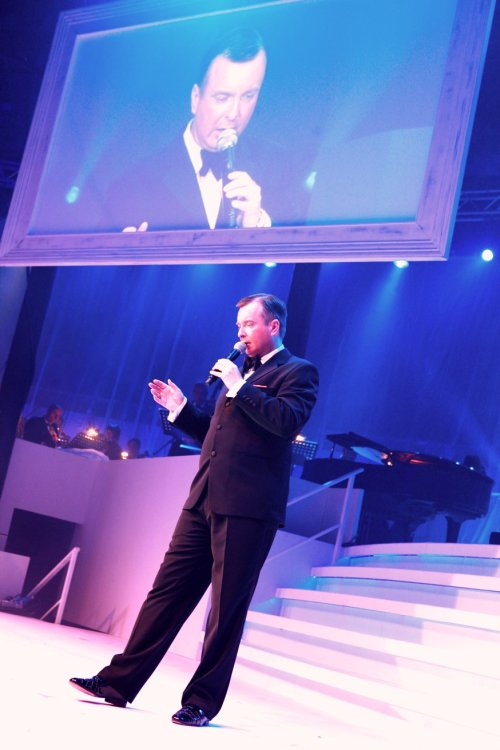 Frank Sinatra tribute act by David Alacey